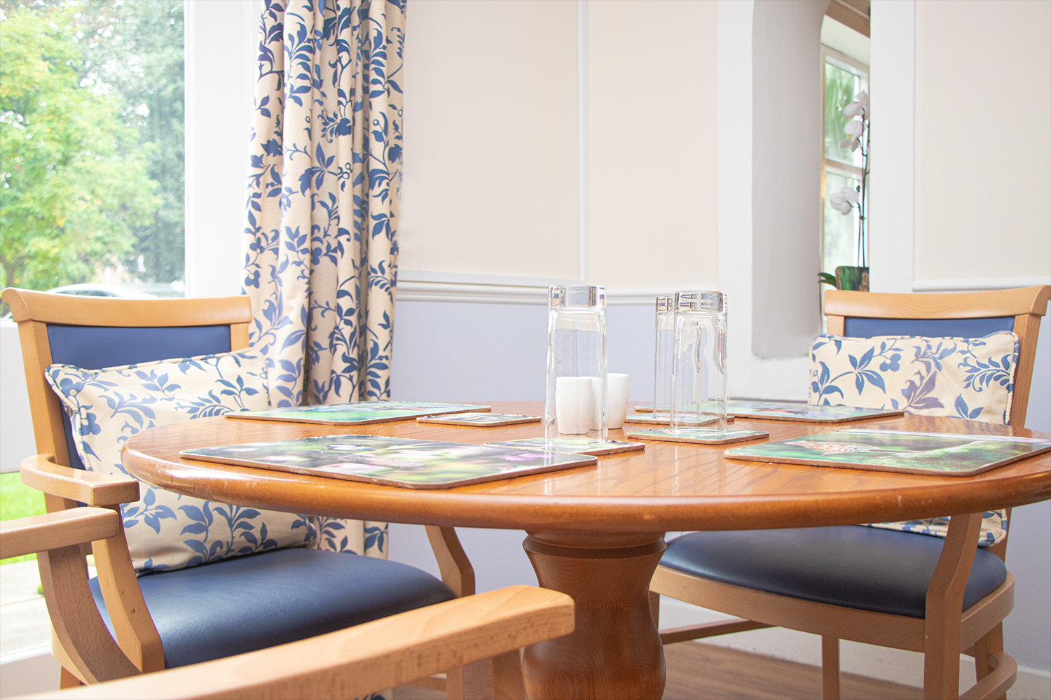 Moor House care home dining